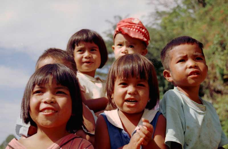 Fuente: UNESCO/ Georges Malempré Un grupo de niños en Indonesia