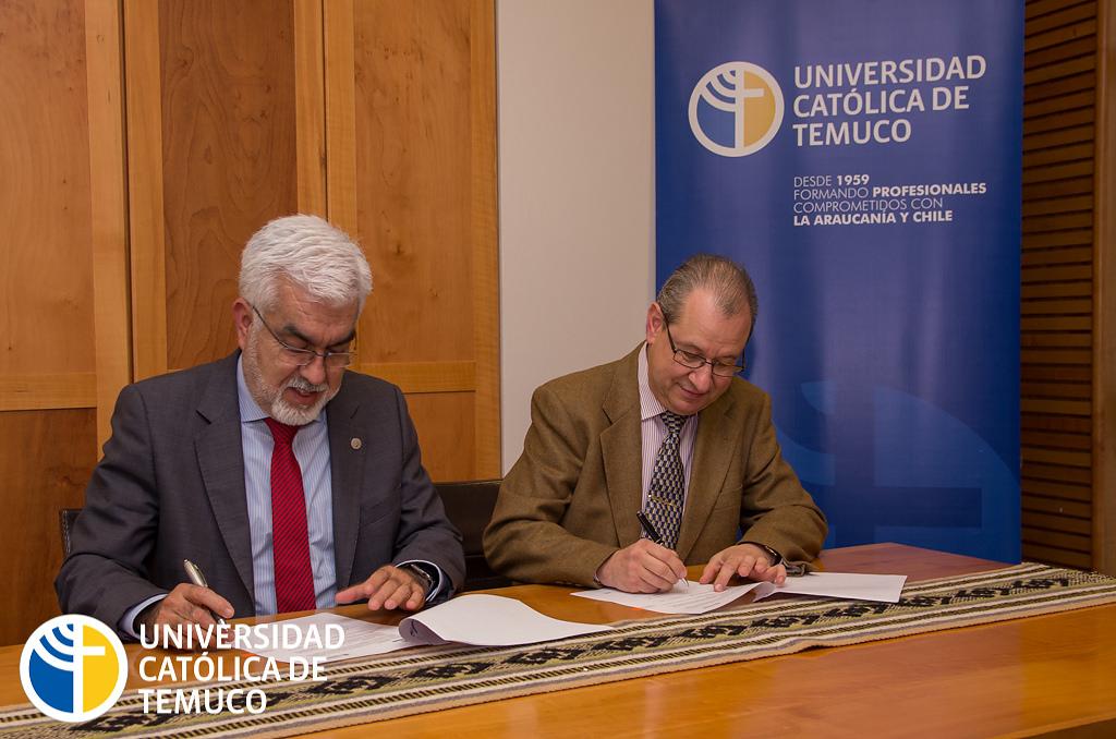 Aliro Bórquez Ramírez, Rector de Universidad Católica de Temuco (Chile) y Jesus Cardeñosa, Diretor de la Cátedra Unesco Teclin (Universidad Politénica de Madrid, España)